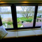 Apartament cu balcon cu vedere spre rau cu 3 camere pentru 8 pers.