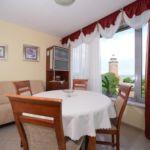 Apartament 6-osobowy z balkonem z własną kuchnią z 3 pomieszczeniami sypialnianymi