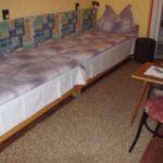 Apartament la mansarda cu vedere spre gradina cu 2 camere pentru 5 pers. (se poate solicita pat suplimentar)