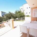 Apartament cu aer conditionat cu balcon cu 3 camere pentru 5 pers.