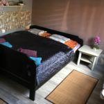 Udvarra néző földszintes franciaágyas szoba