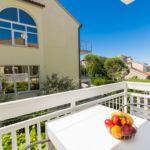 Apartament cu aer conditionat cu vedere spre mare cu 2 camere pentru 4 pers.
