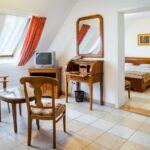 Suita s koupelnou s klimatizací s manželskou postelí s 1 ložnicí