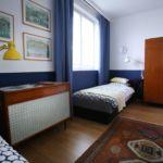 Emeleti közös fürdőszobás kétágyas szoba (pótágyazható)