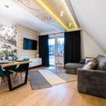 Apartament 6-osobowy Deluxe z balkonem z 3 pomieszczeniami sypialnianymi