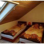 Tetőtéri Standard háromágyas szoba