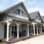 Casa de vara cu grup sanitar cu terasa pentru 9 pers. (se inchirieaza doar integral)