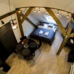 Apartament 3-osobowy na poddaszu z klimatyzacją z 1 pomieszczeniem sypialnianym (możliwa dostawka)
