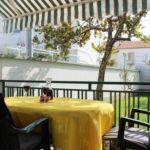 Apartament cu balcon cu grup sanitar pentru 2 pers. (se inchirieaza doar integral)