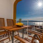 Apartman s klimatizací pro 4 os. se 2 ložnicemi s výhledem na moře