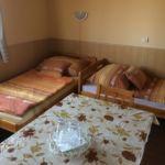 Camera cvadrupla cu grup sanitar cu bucatarie proprie