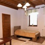 Apartament cu vedere spre curte cu 2 camere pentru 5 pers.