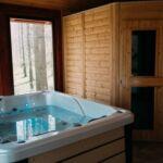 Erdei Kuckó Pezsgőfürdővel 2 fős lakosztály 1 hálótérrel