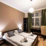 Apartament 4-osobowy z balkonem z 2 pomieszczeniami sypialnianymi