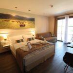 Vierbettzimmer mit Dusche und Klimaanlage (Zusatzbett möglich)