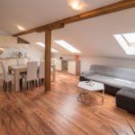 Apartman s klimatizací pro 4 os. se 2 ložnicemi v podkroví