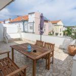 Apartament 4-osobowy z klimatyzacją z balkonem z 2 pomieszczeniami sypialnianymi
