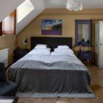 Kertre néző tetőtéri kétágyas szoba