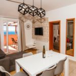 Apartament 6-osobowy z klimatyzacją z widokiem na morze z 3 pomieszczeniami sypialnianymi A-14113-c