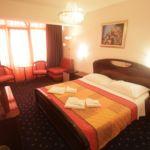 Pokoj s klimatizací  s manželskou postelí S-16023-l