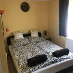 Apartament familial(a) cu gradina pentru 4 pers. (se inchirieaza doar integral) (se poate solicita pat suplimentar)