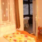 Na katu soba sa dva odvojena kreveta (za 2 osoba(e))