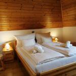 Romantik Izba s vaňou s manželskou posteľou
