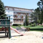 2-Zimmer-Apartment für 4 Personen mit Klimaanlage und Panorama auf den See