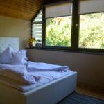 Camera dubla cu aer conditionat cu vedere spre padure