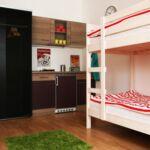 Zuhanyzós saját teakonyhával négyágyas szoba (pótágyazható)