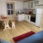 Apartament 4-osobowy z własną kuchnią (możliwa dostawka)
