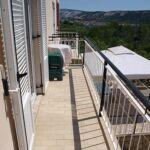 Apartament 4-osobowy z klimatyzacją z balkonem z 2 pomieszczeniami sypialnianymi A-16389-b