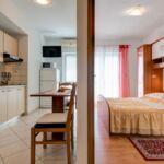 Apartament cu aer conditionat cu vedere spre mare cu 1 camera pentru 2 pers. A-16429-c