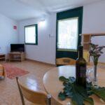 Apartament 4-osobowy z klimatyzacją z tarasem z 1 pomieszczeniem sypialnianym A-16545-a
