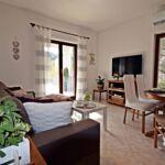 Apartament 10-osobowy z klimatyzacją z balkonem z 4 pomieszczeniami sypialnianymi K-16560
