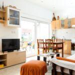 Apartament 4-osobowy z klimatyzacją z tarasem z 1 pomieszczeniem sypialnianym A-16770-b