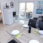 Apartament 4-osobowy z klimatyzacją z widokiem na morze z 1 pomieszczeniem sypialnianym A-17221-i