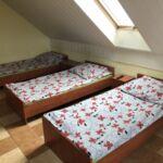 Camera cu baie comuna cu chicineta comuna pentru 5 pers.