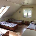 Közös fürdőszobás közös teakonyhával négyágyas szoba