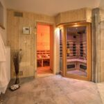 6 Person Room with Shower