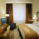Zuhanyzós légkondicionált kétágyas szoba (pótágyazható)