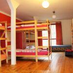 Dormitory pat in dormitor comun cu chicineta comuna