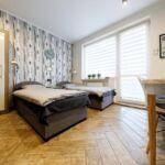 Balkonos közös fürdőszobás kétágyas szoba