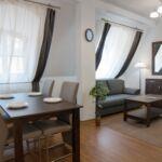 Apartament 4-osobowy Deluxe z własną kuchnią z 2 pomieszczeniami sypialnianymi