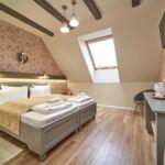 Tetőtéri Standard Plus kétágyas szoba