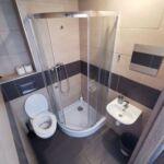 Camera single cu grup sanitar lCD TV