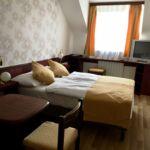 Camera dubla superior cu aer conditionat (se poate solicita pat suplimentar)