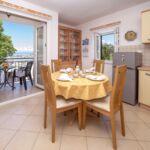 Apartman s balkónem s manželskou postelí s 1 ložnicí s výhledem na moře (s možností přistýlky)