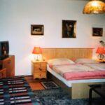 Zuhanyzós ötágyas szoba (pótágyazható)