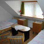 Pokój 2-osobowy z prysznicem z aneksem kuchennym (możliwa dostawka)